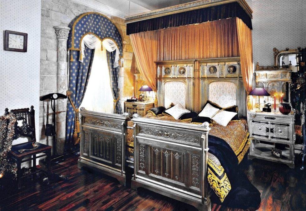 Một góc phòng khách phong cách Gothic