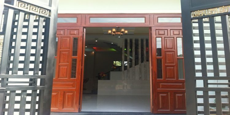 kích thước cửa chính theo lỗ ban
