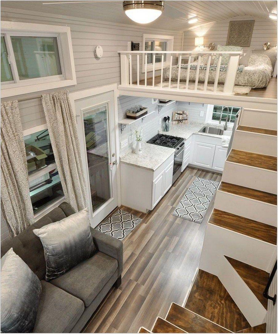 Mẫu 6: Mẫu thiết kế phòng khách nhà ống với cầu thang bục