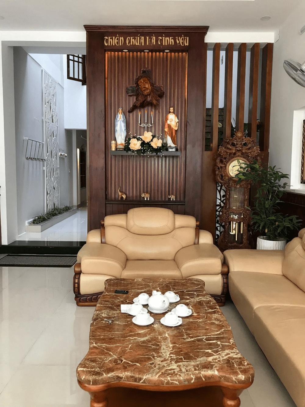 cách đặt bàn thờ phòng khách