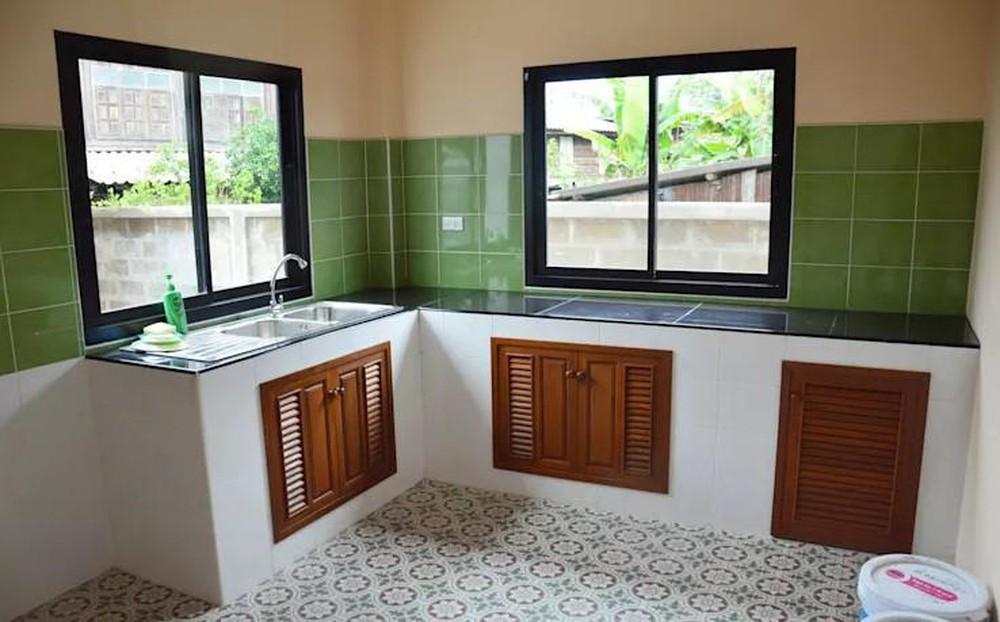 phòng bếp có cửa sổ đẹp