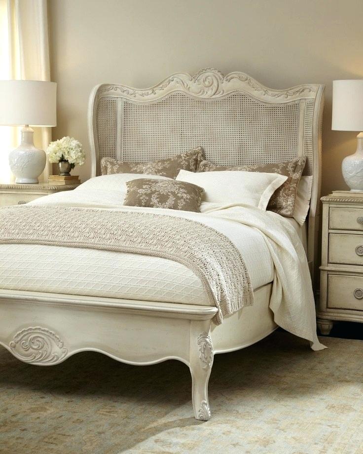 phòng ngủ sang trọng cho các cô nàng độc thân