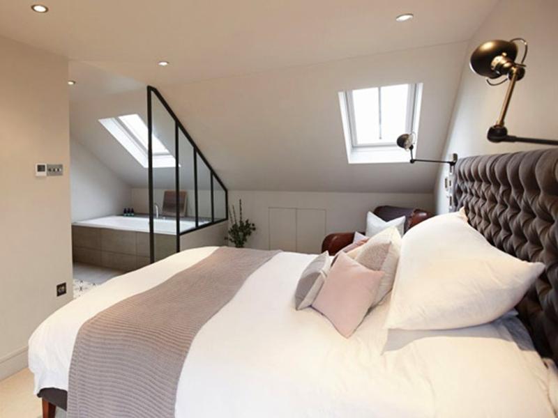 Phòng ngủ gác mái đơn giản