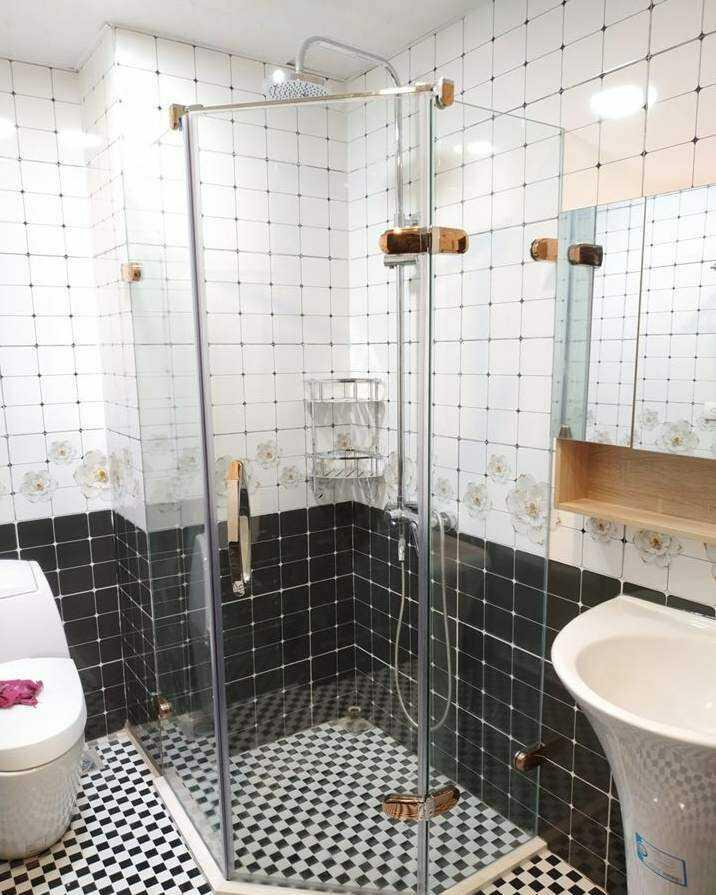 cửa phòng tắm bằng kính