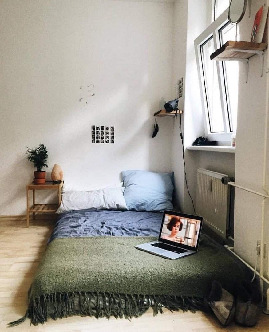 Phòng ngủ được sắp xếp đơn giản