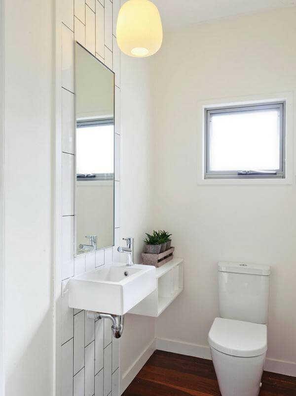 Thiết kế phòng tắm với cửa sổ trên bồn